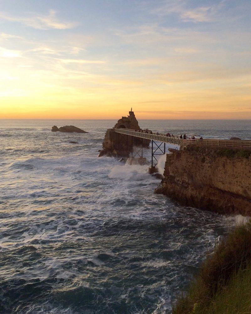 vivre au pays basque rocher de la vierge