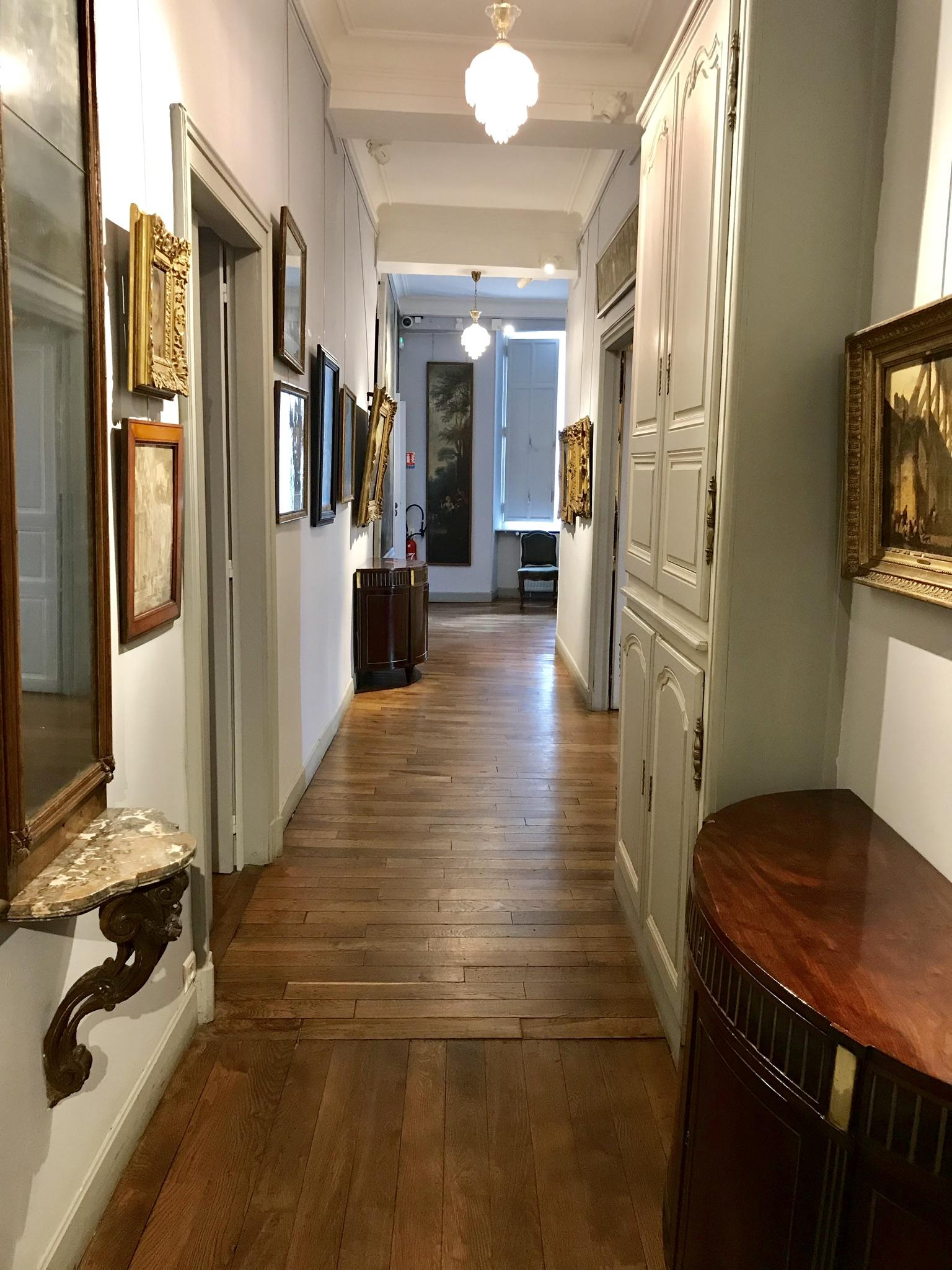 château de Laàs musée Serbat couloir