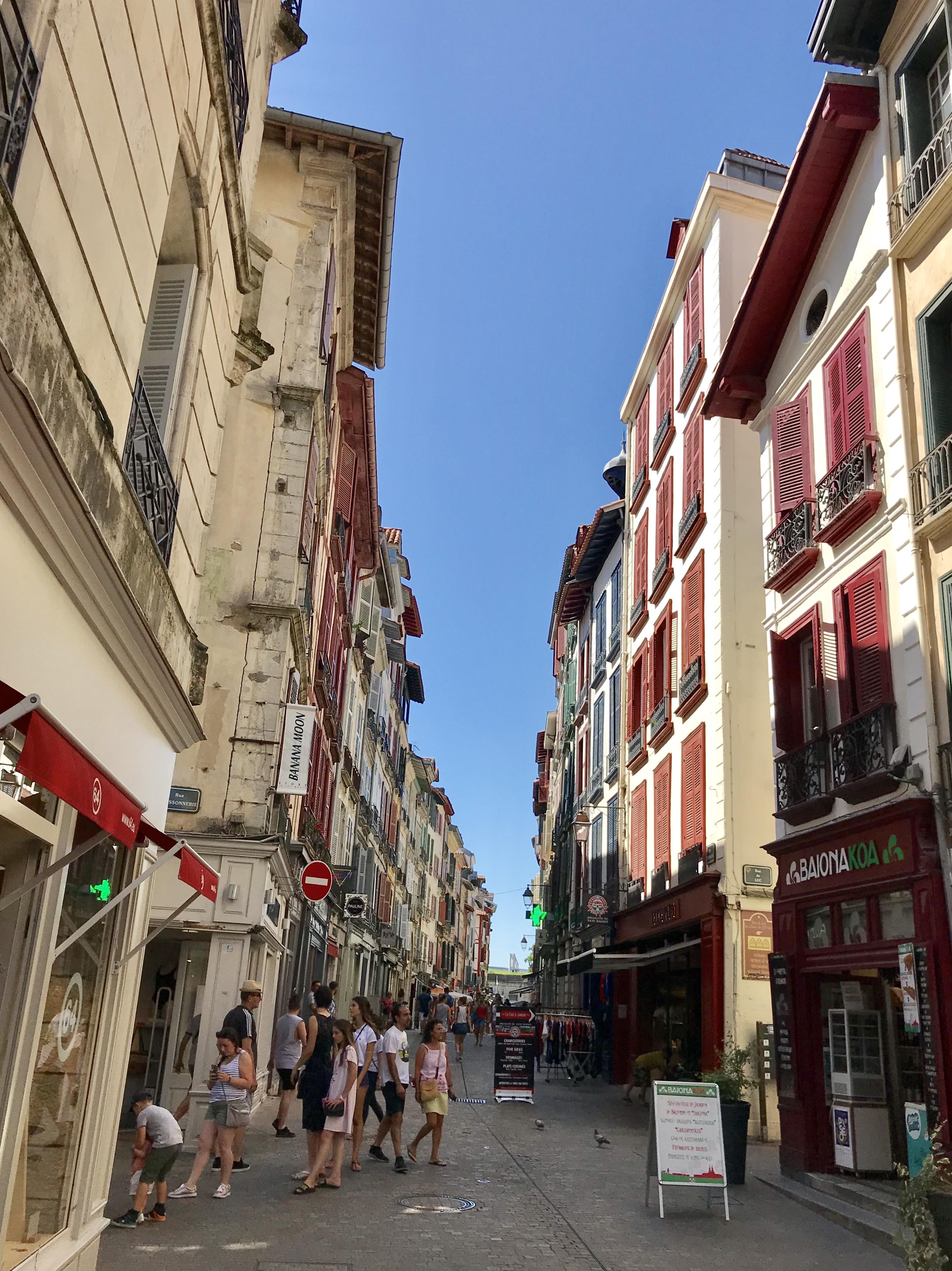 visiter bayonne rue d'espagne