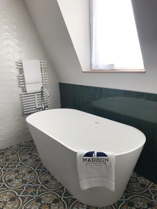 salle de bain hôtel madison saint jean de luz